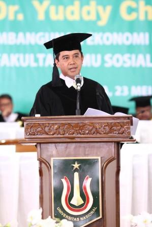 Menteri Yuddy Chrisnandi Guru Besar Termuda di Universitas Nasional