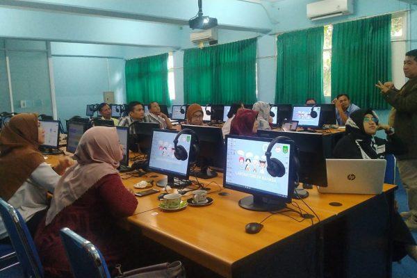 Dosen Sastra Inggris Mengikuti Sosialisasi dan Diseminasi Konsep Baru Pembelajaran Blended e-Learning Versi UNAS