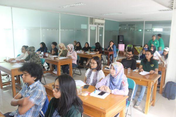 Kegiatan Mahasiwa Writing Workshop